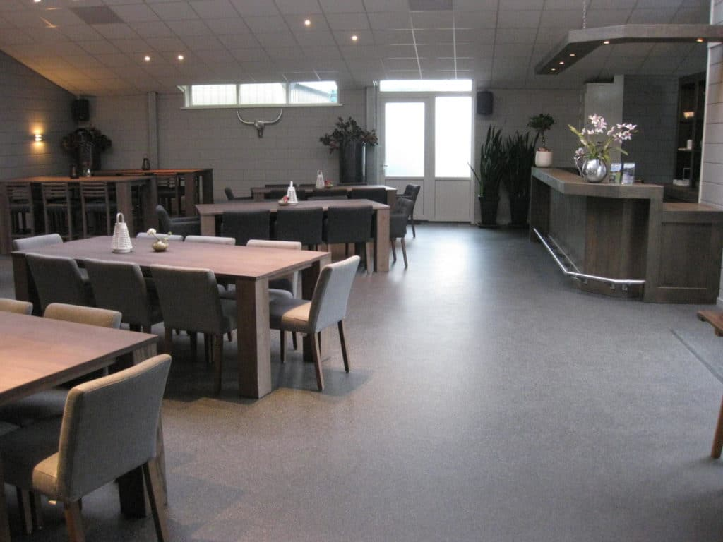Recreatieruimte met bar bij Nederrijkswald